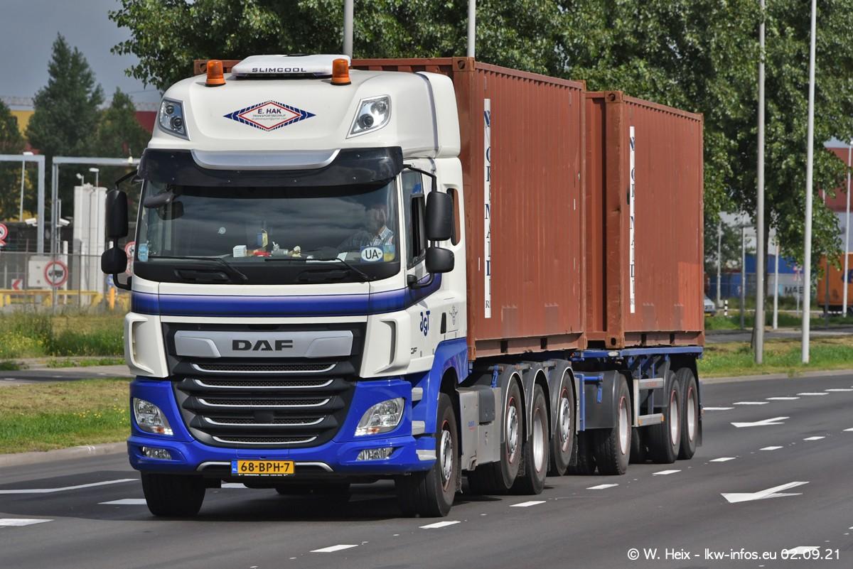 20210902-Rotterdam-Containerhafen-00380.jpg