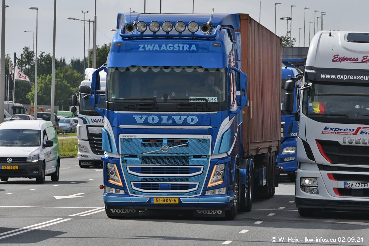 20210902-Rotterdam-Containerhafen-00385.jpg