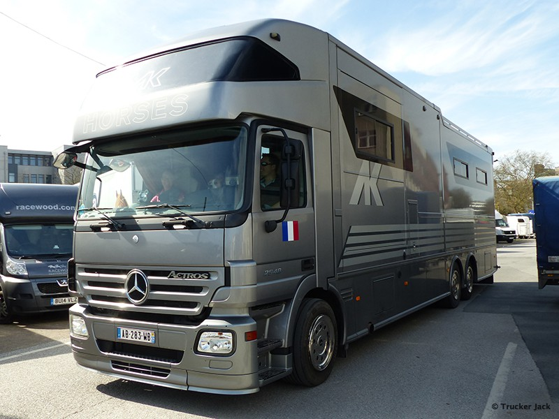 20171105-Pferdetransporter-00008.jpg