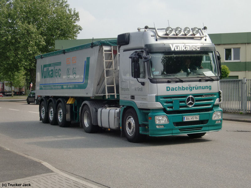 MB-Actros-MP2-1846-Gross-DS-270610-01.jpg