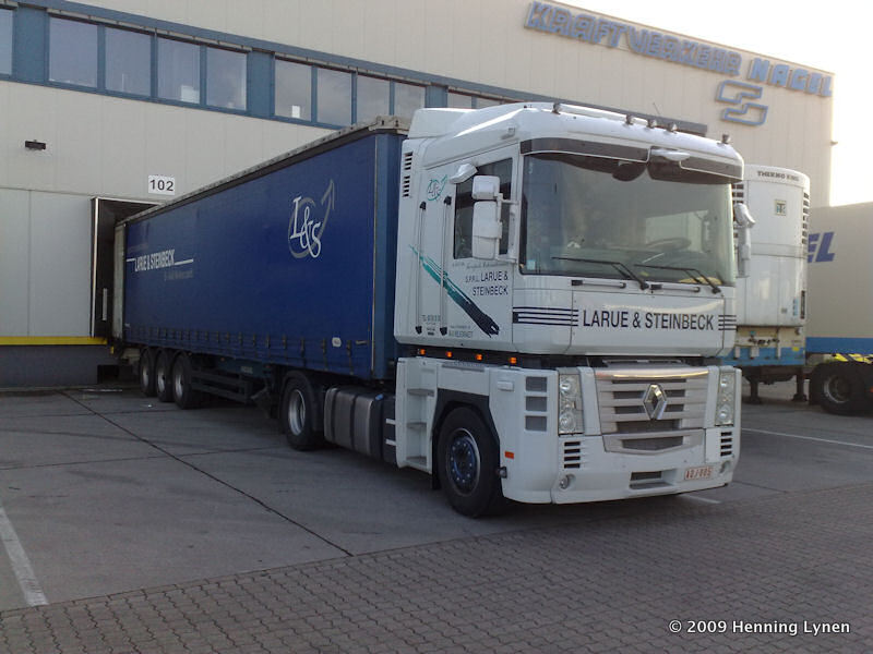 B-Renault-Magnum-II-Larue-Henning-Lynen-070709.jpg