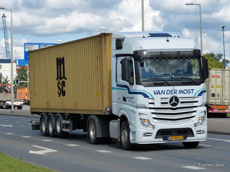 Most-van-der-DS-20151208-012.jpg