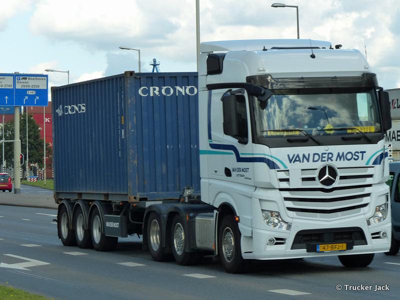 Most-van-der-DS-20151208-013.jpg