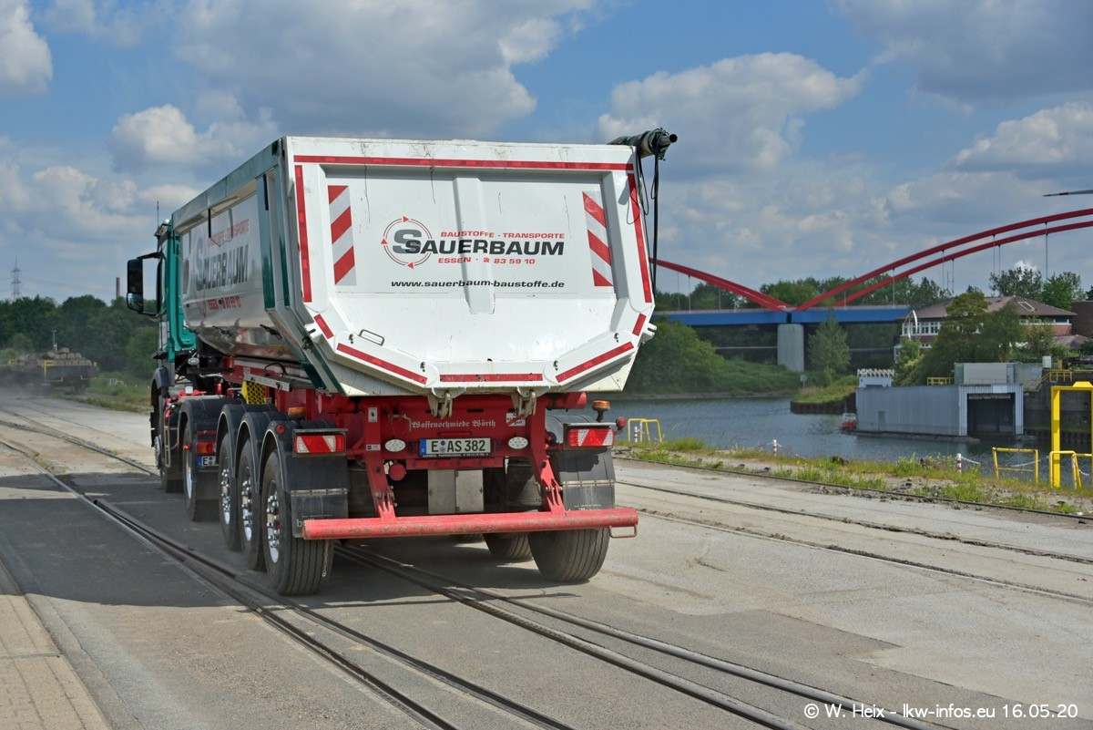 20200516-Sauerbaum-Fotoshooting-00374.jpg