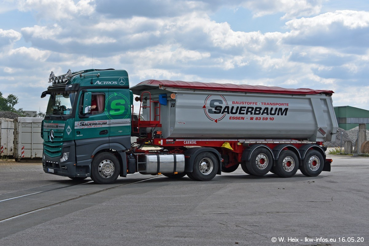 20200516-Sauerbaum-Fotoshooting-00385.jpg