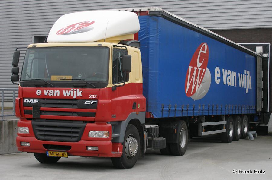 van-Wijk-Holz-100810-01.jpg